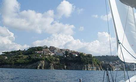 Sailing holidays in Cilento (Southern Italy)