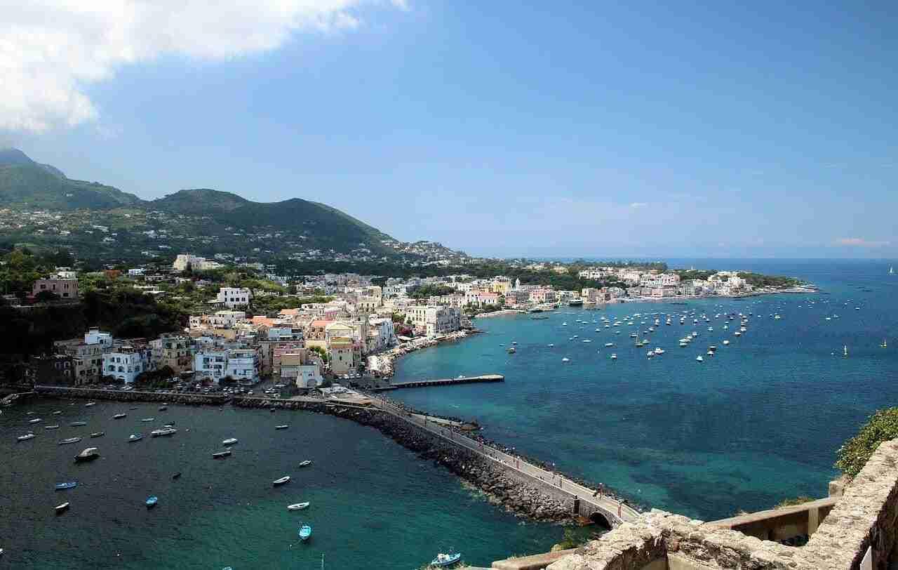 Crociera in Costiera amalfitana e isole del Golfo di Napoli 4