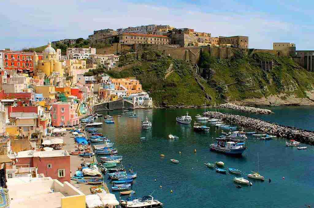 Crociera in Costiera amalfitana e isole del Golfo di Napoli 10